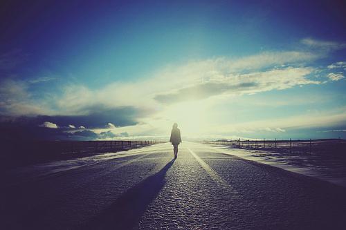 李拾雨:一个从轻生边沿挽救返来的女人的故事。