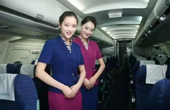 中外网友震怒!美联航暴力拖拽七旬华裔乘客下机,事后竟还这么说