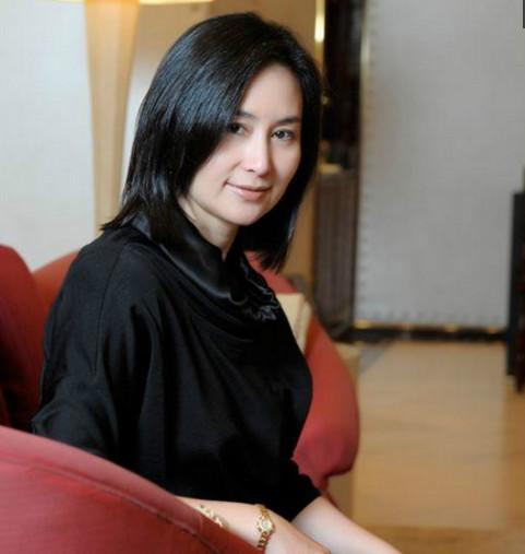中国仅一个靠赌博业发家的女富豪,身家300亿至今却单身!